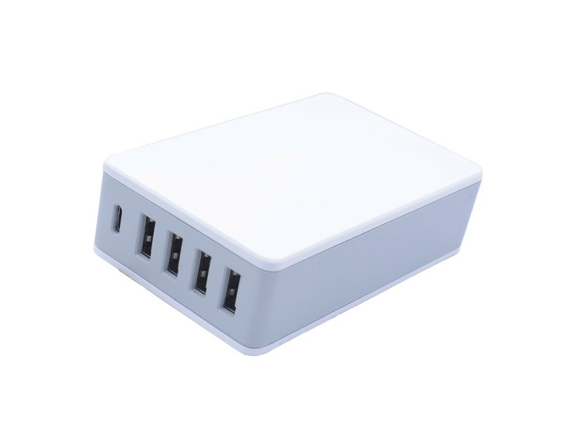PD30W+QC3.0+3 USB 3A PD Charger S-TR-144